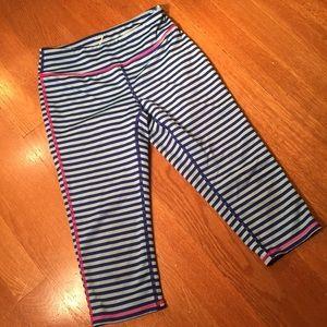 Z by Zella girl blue stripe Capris leggings M 8/10